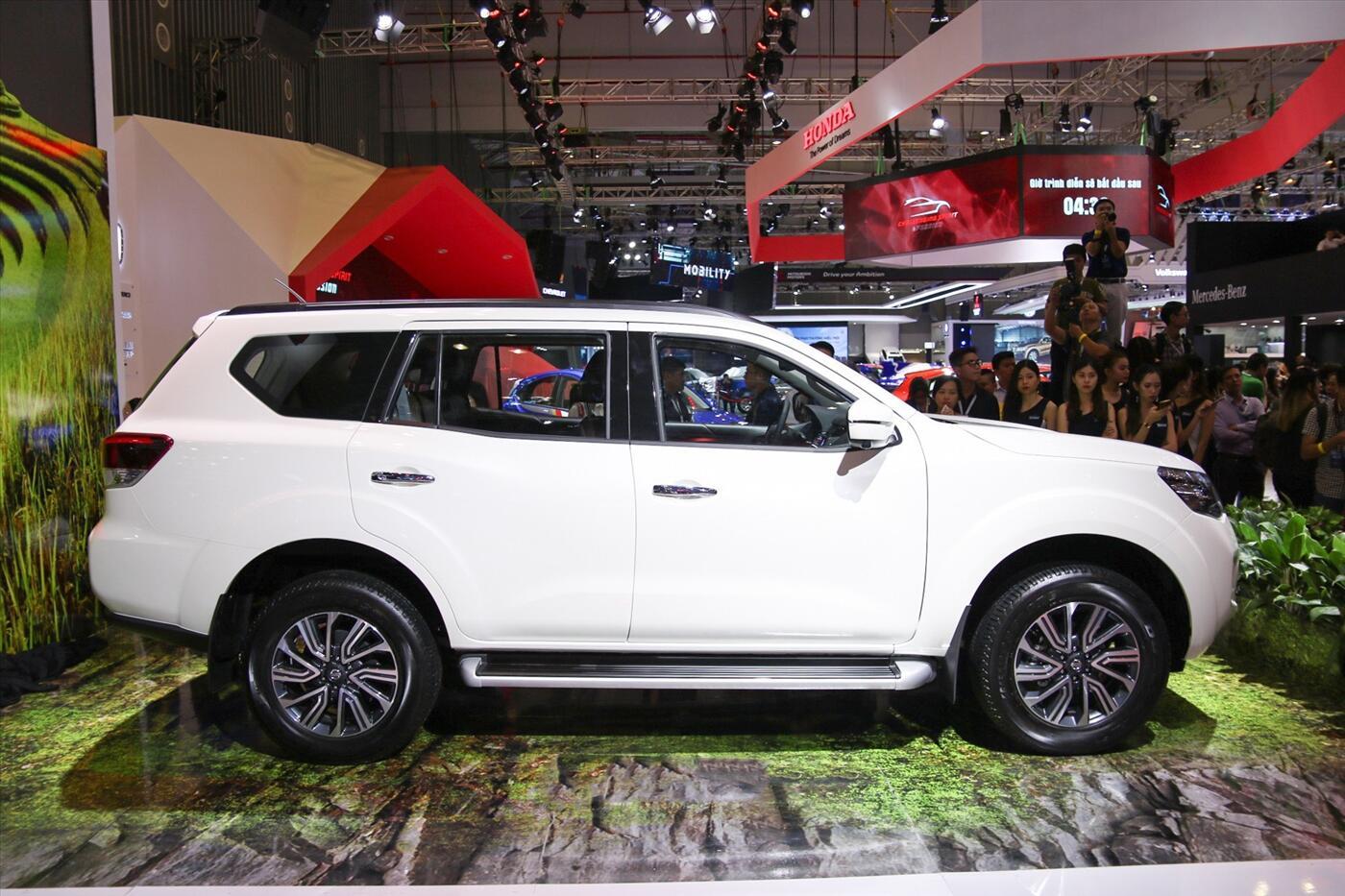 Nissan Terra 2.5 4WD AT (Máy xăng) - Hình 4