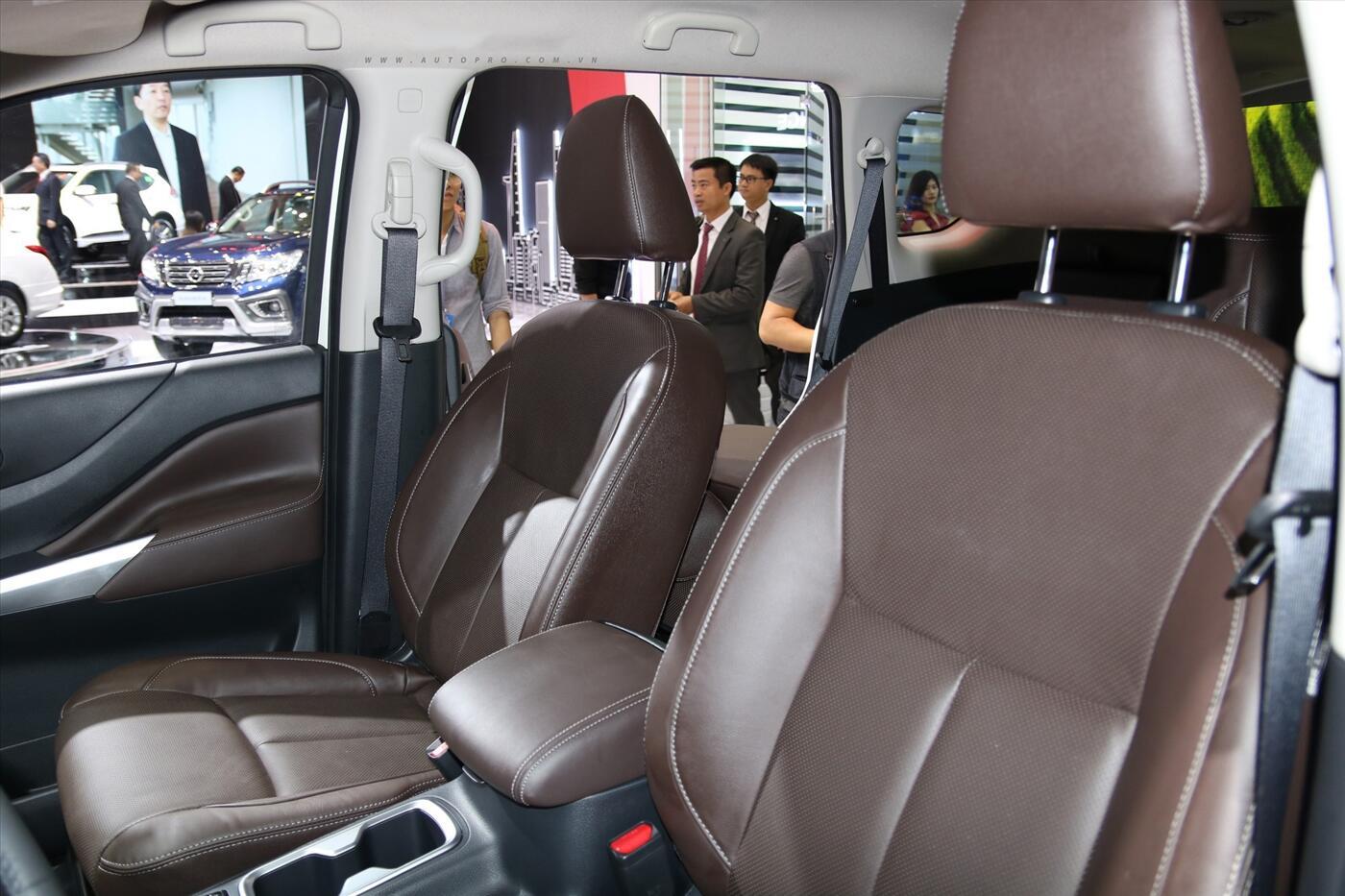 Nissan Terra 2.5 4WD AT (Máy xăng) - Hình 11