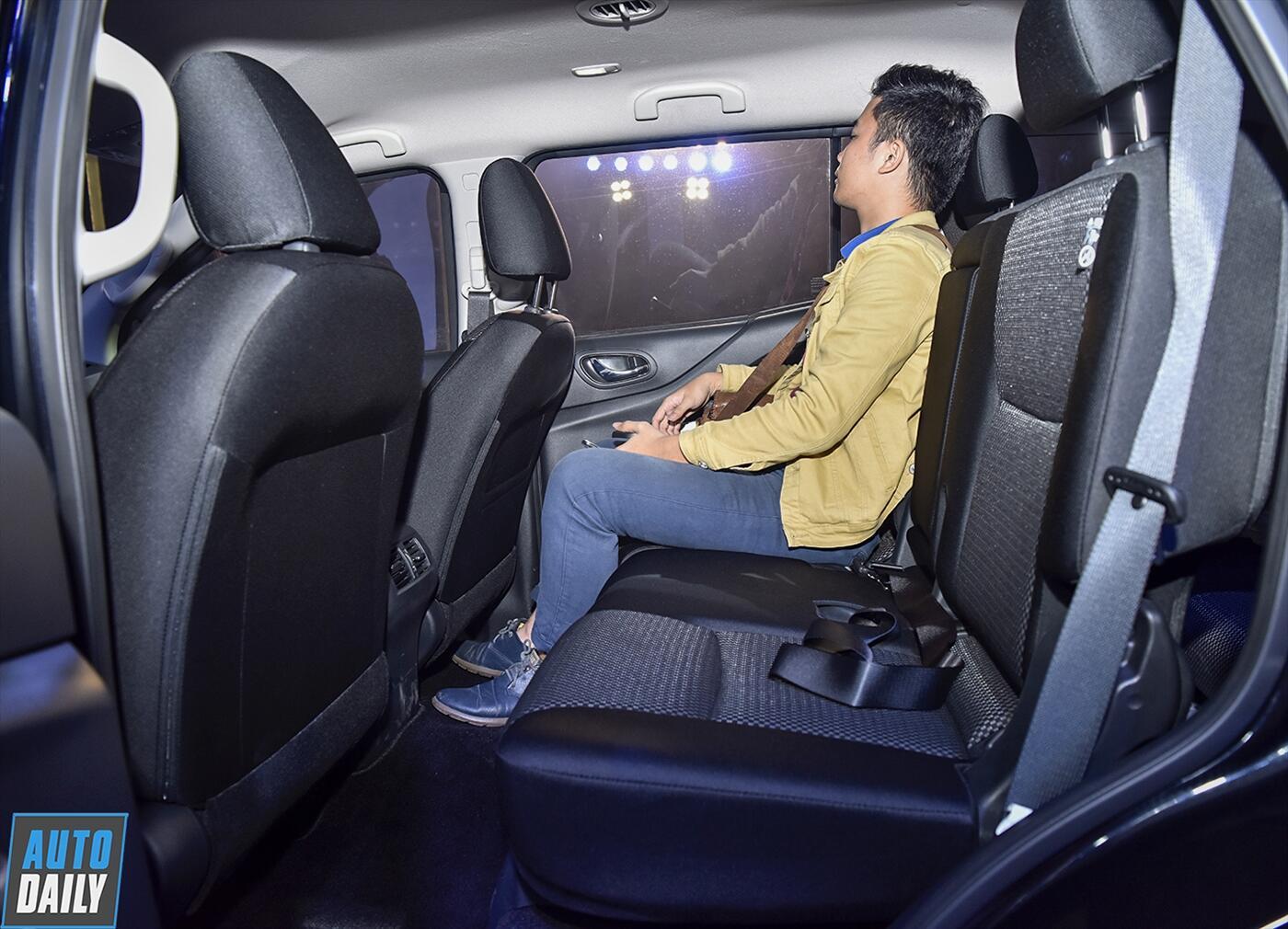 Nissan Terra 2.5 4WD AT (Máy xăng) - Hình 13