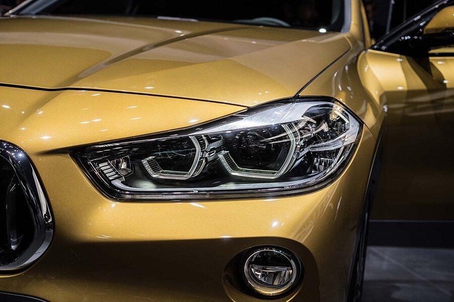 BMW 118i - Hình 11