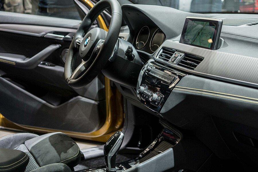 BMW 118i - Hình 23