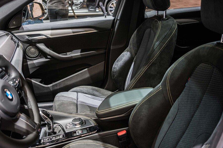 BMW 118i - Hình 25