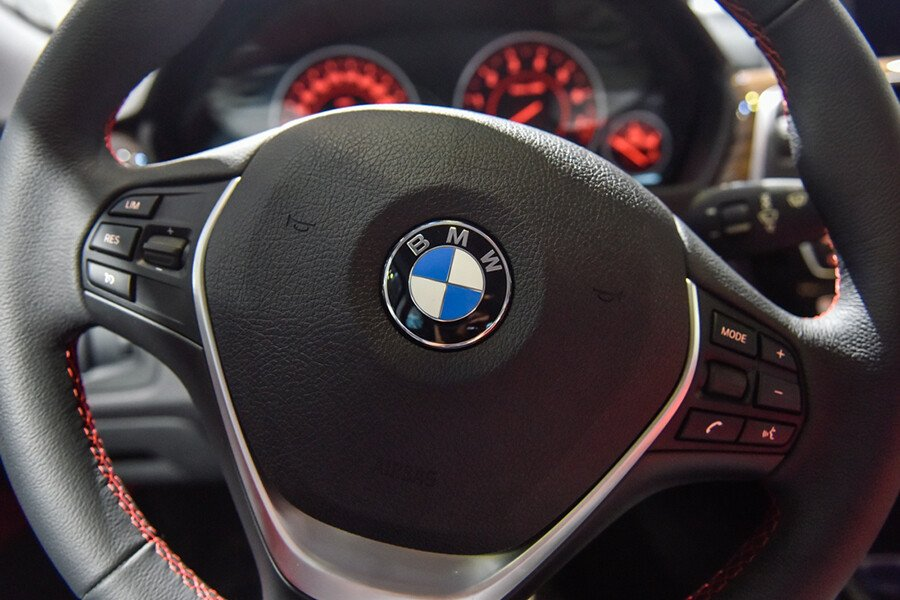 BMW 320i Gran Turismo - Hình 12