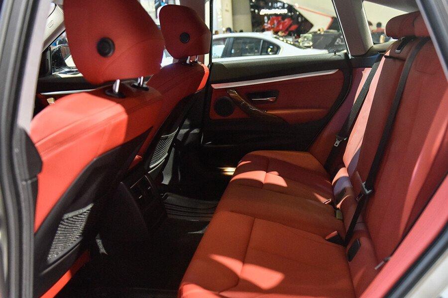 BMW 320i Gran Turismo - Hình 13