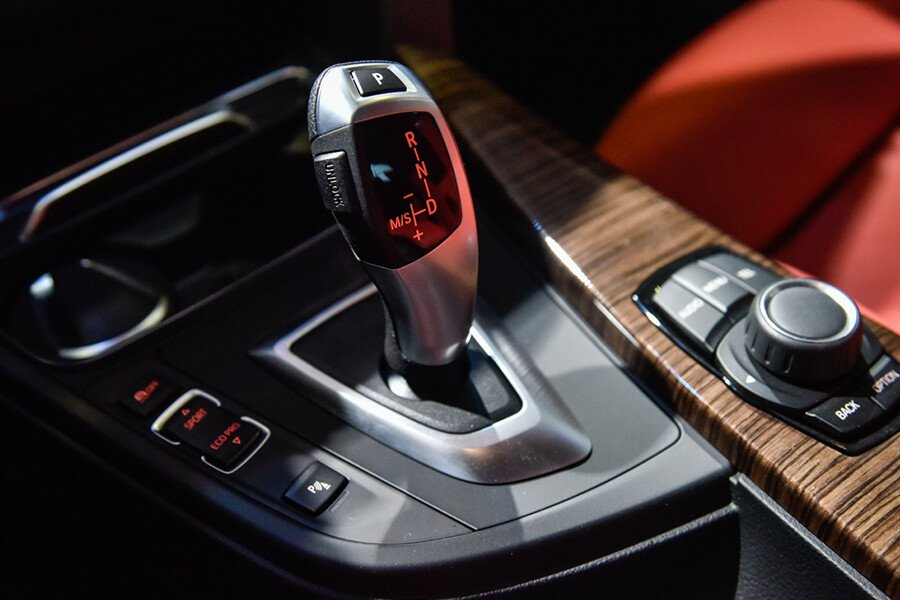 BMW 320i Gran Turismo - Hình 15