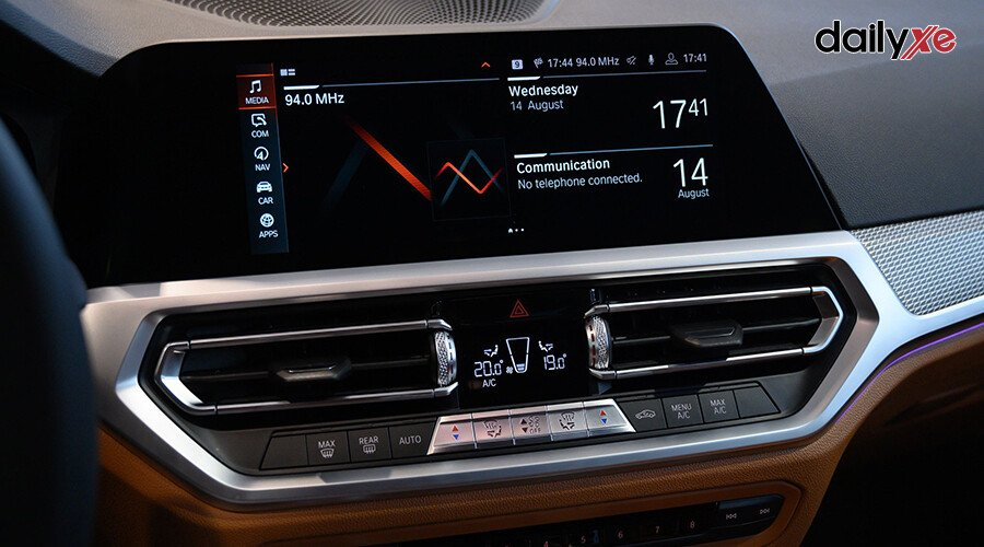 BMW 330i M Sport - Hình 10