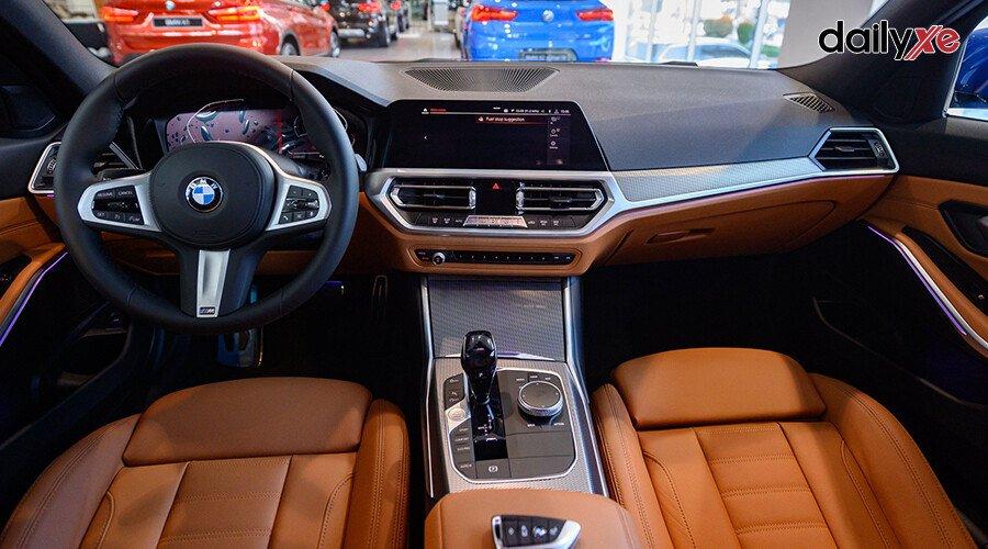 BMW 330i M Sport - Hình 11