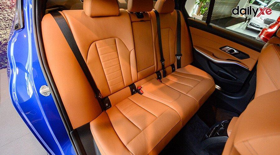 BMW 330i M Sport - Hình 14