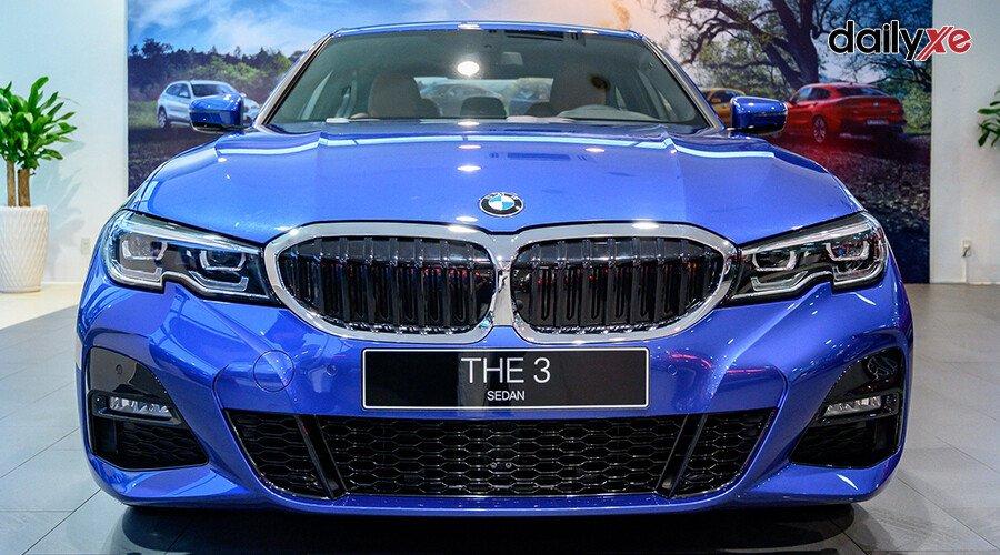 BMW 330i M Sport - Hình 2