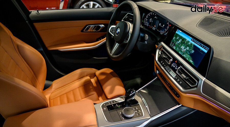 BMW 330i M Sport - Hình 9