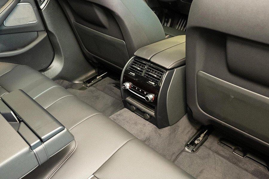 BMW 530i Luxury - Hình 12