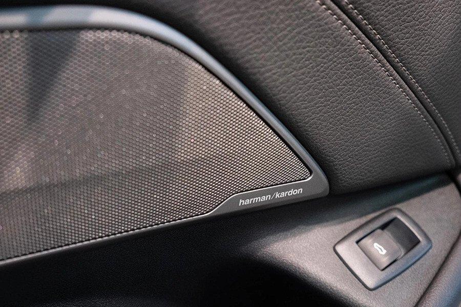 BMW 530i Luxury - Hình 21