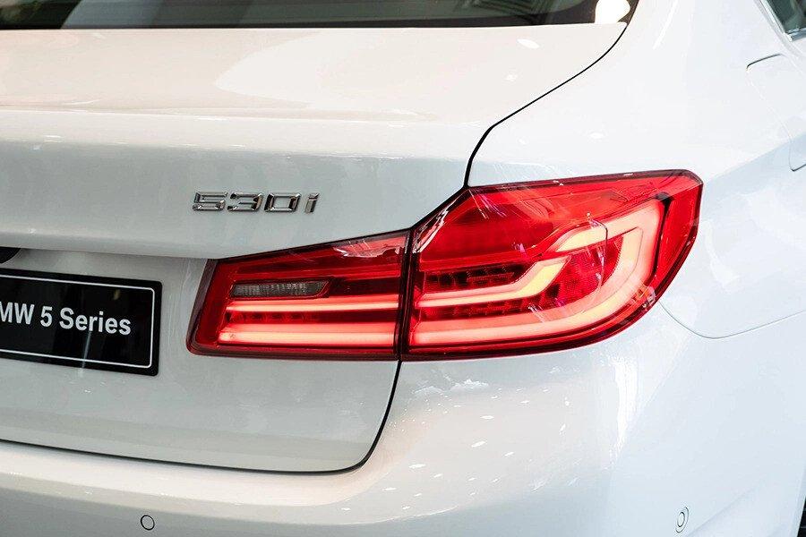 BMW 530i Luxury - Hình 7