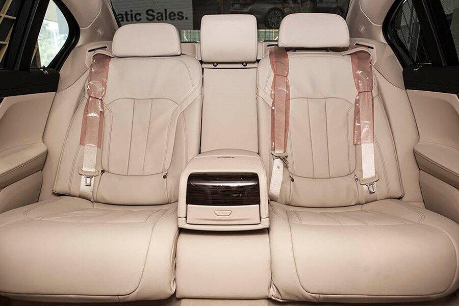 BMW 730Li - Hình 11