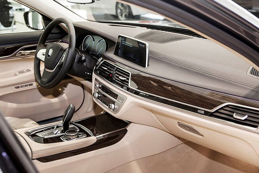 BMW 730Li - Hình 14