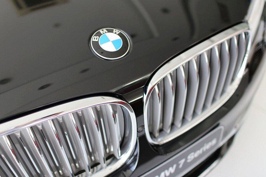 BMW 730Li - Hình 4