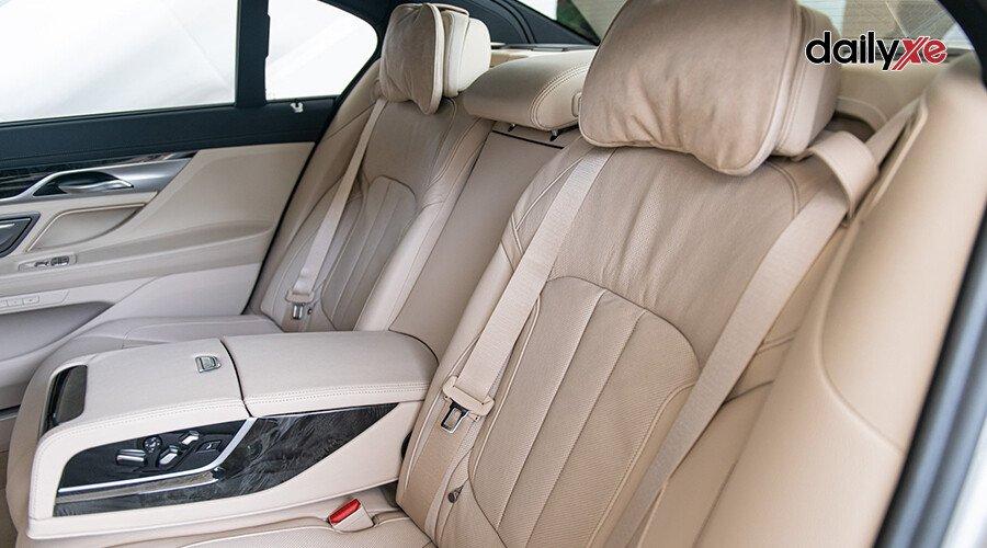 BMW 730Li M-Sport - Hình 11