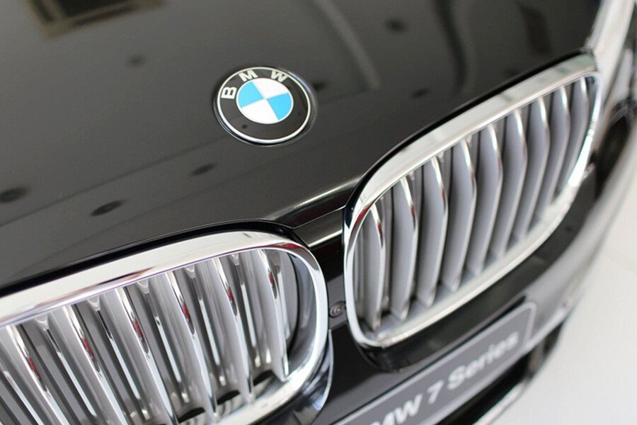 BMW 740Li - Hình 7