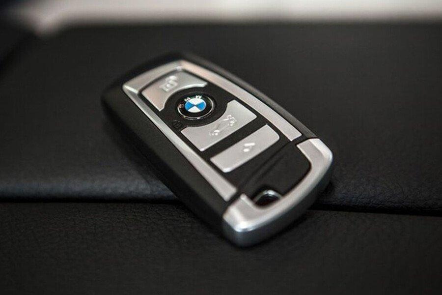 BMW 740Li - Hình 8