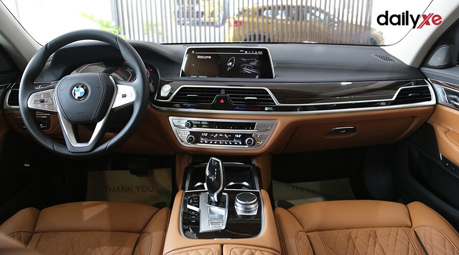 BMW 740Li LCI Sedan - Hình 13