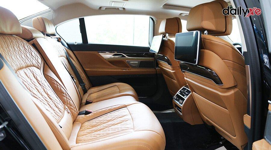 BMW 740Li LCI Sedan - Hình 20
