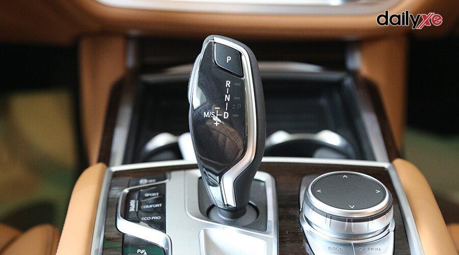 BMW 740Li LCI Sedan - Hình 21