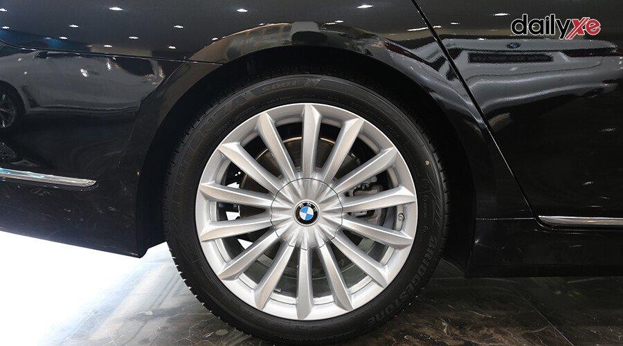 BMW 740Li LCI Sedan - Hình 6