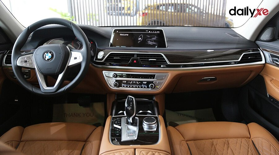 BMW 740Li Pure Excellence - Hình 13