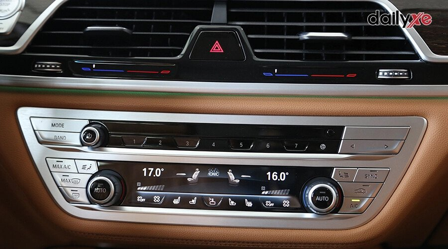 BMW 740Li Pure Excellence - Hình 14