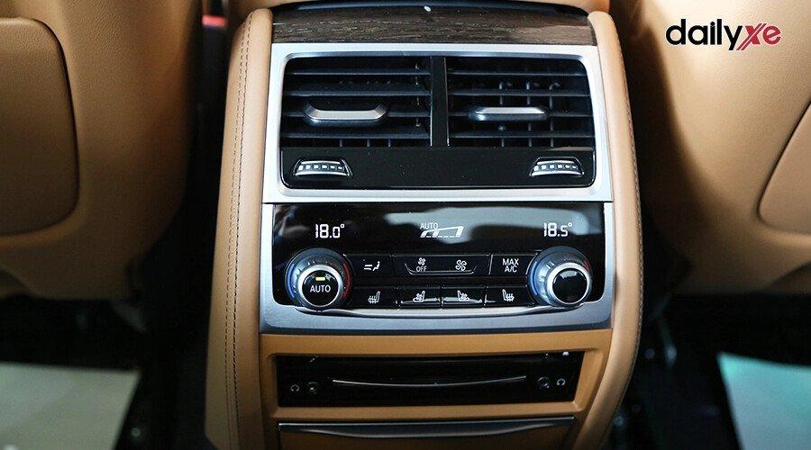 BMW 740Li Pure Excellence - Hình 15