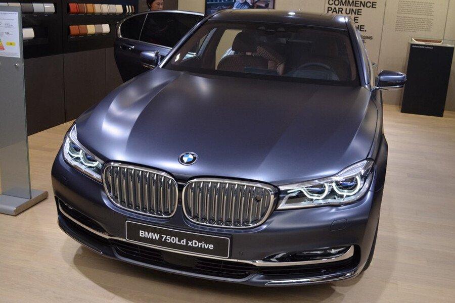 BMW 750Li - Hình 1