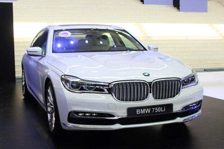 BMW 750Li - Hình 2