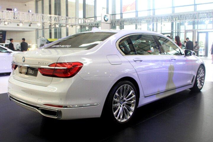BMW 750Li - Hình 3