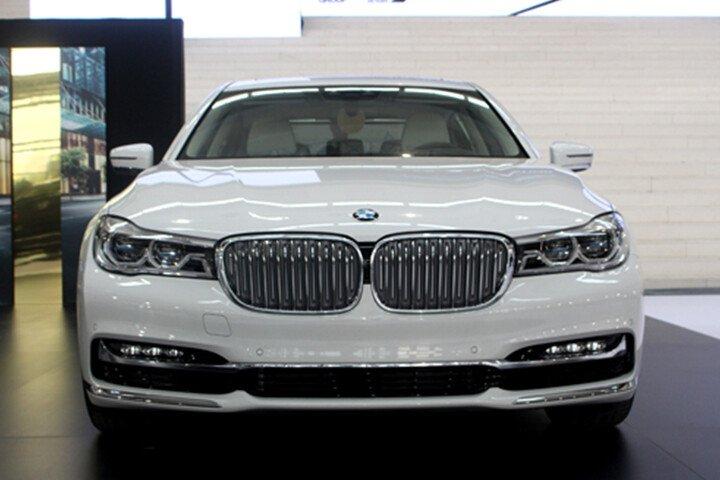BMW 750Li - Hình 4