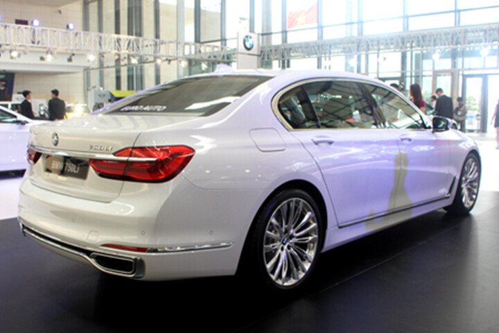 BMW 750Li - Hình 5