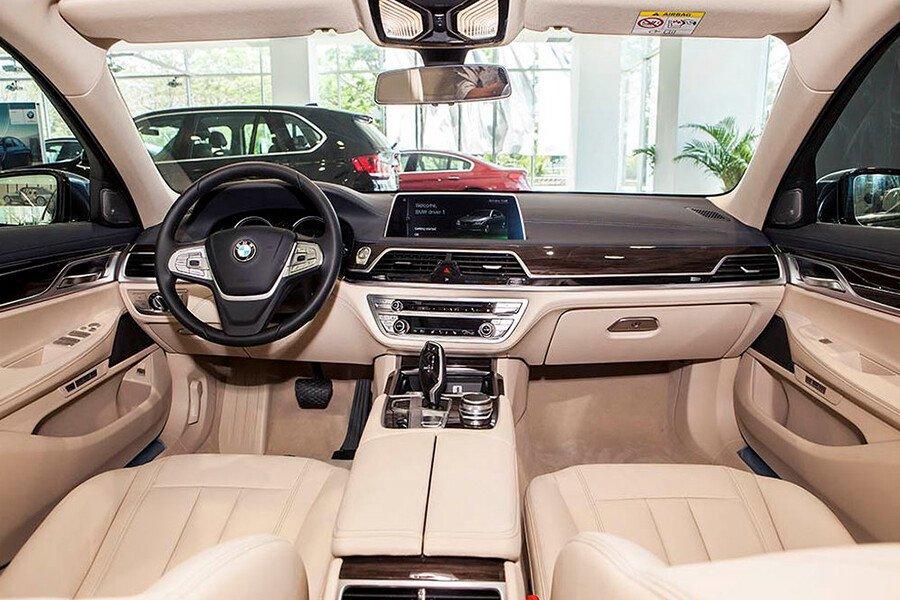 BMW 750Li - Hình 9
