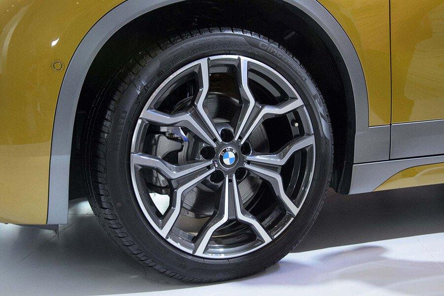 BMW X1 sDrive18i xLine - Hình 13