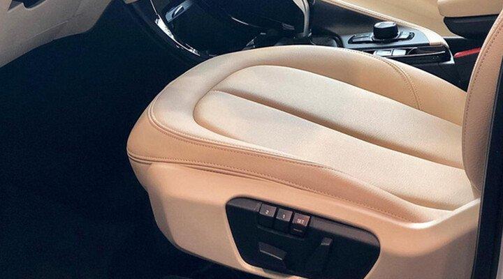 BMW X1 sDrive18i xLine - Hình 19