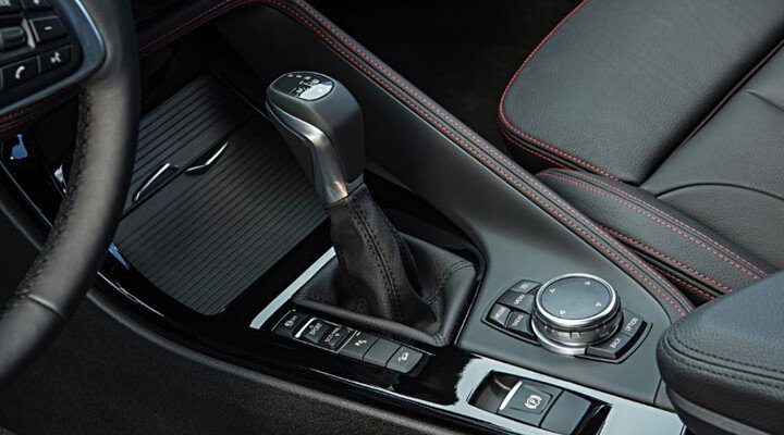 BMW X1 sDrive18i xLine - Hình 31