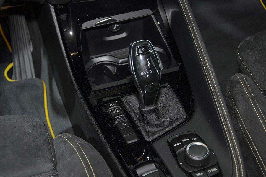 BMW X1 sDrive18i xLine - Hình 37