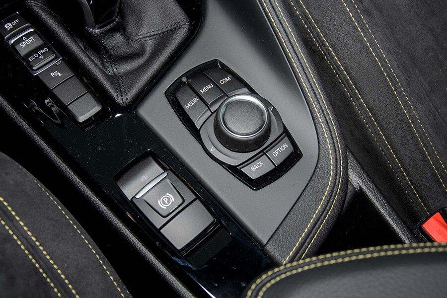 BMW X1 sDrive18i xLine - Hình 39