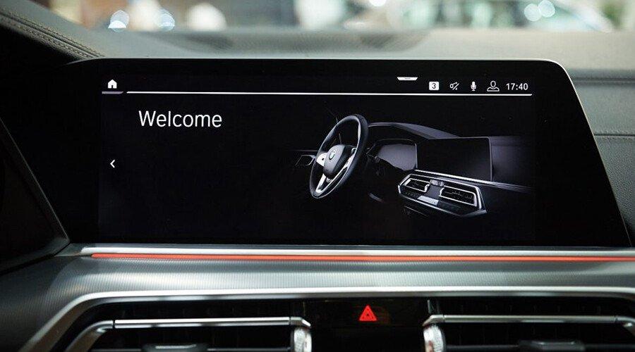BMW X5 xDrive40i xLine - Hình 13