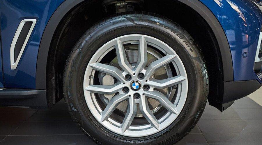 BMW X5 xDrive40i xLine - Hình 6