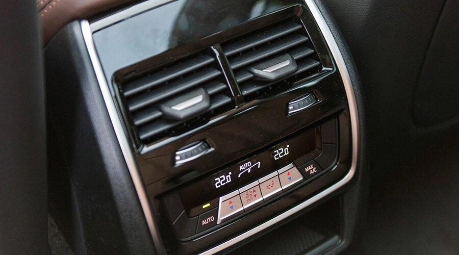 BMW X5 xDrive40i xLine Plus - Hình 17