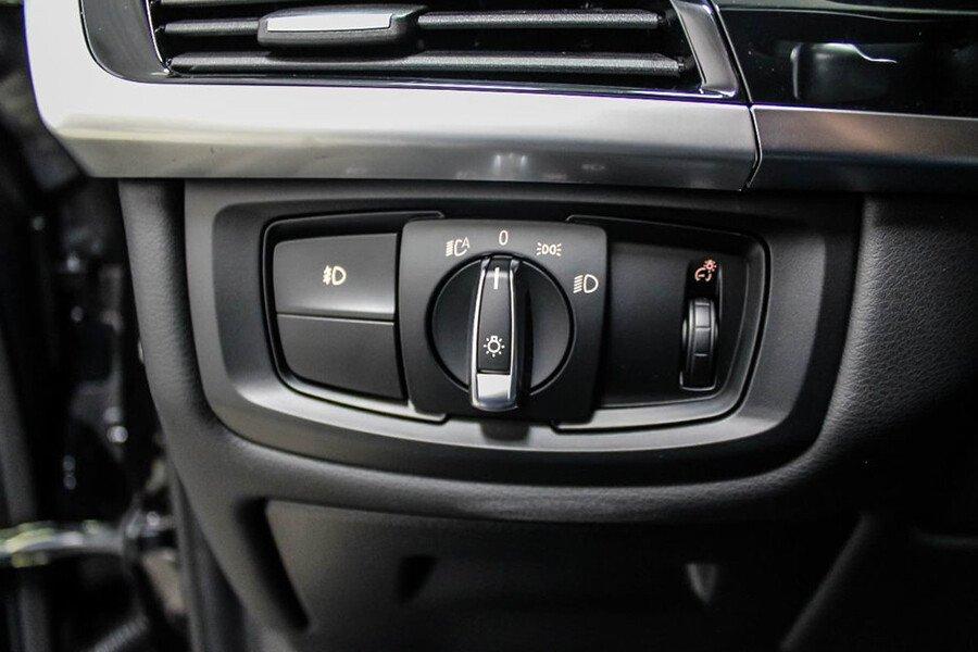 BMW X6 35i xDrive - Hình 18