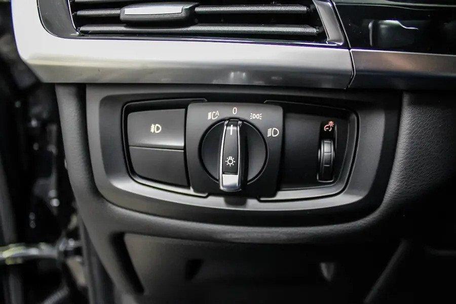 BMW X6 xDrive 35i (Máy xăng) - Hình 36