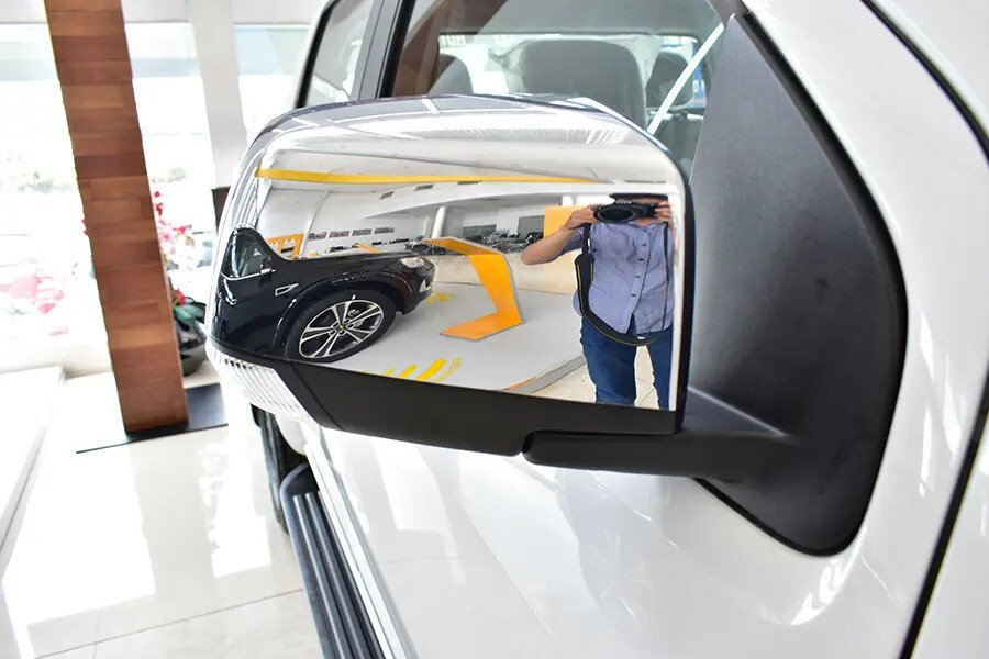 Ngoại thất Chevrolet Colorado - Hình 16