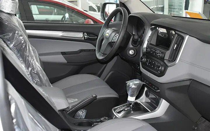 Chevrolet Colorado - Hình 31