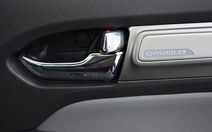 Chevrolet Colorado - Hình 36