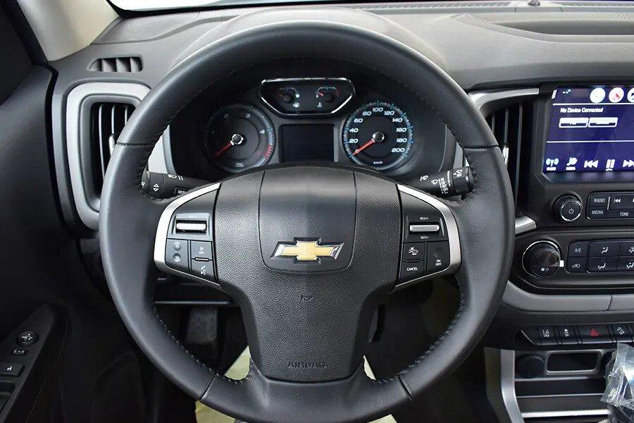 Nội thất Chevrolet Colorado - Hình 6